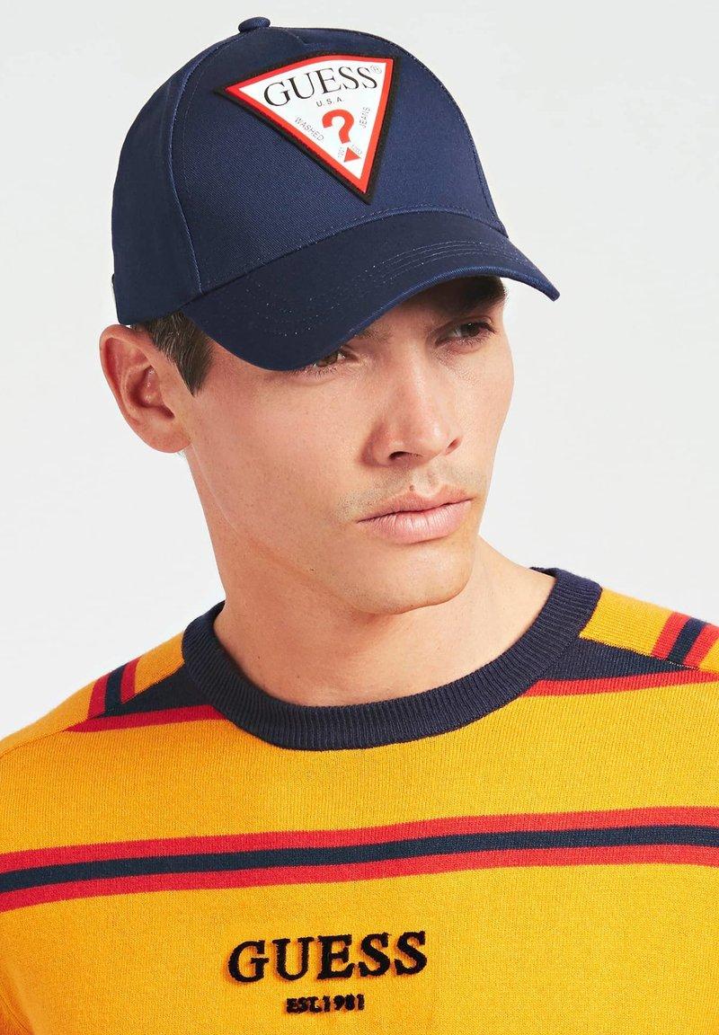 Guess - TRIANGOLO LOGO - Cappellino - blu multi