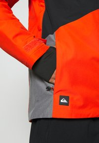 Quiksilver - MISSION PLUS - Snowboard jacket - pureed pumpkin - 9