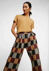 House of Holland - PATCHWORK WIDE LEG TROUSER - Trousers - red/blue/multi - 3