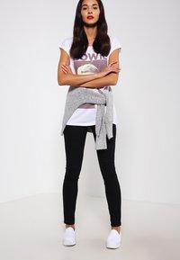 Urban Classics - DAVID BOWIE - Print T-shirt - white - 1