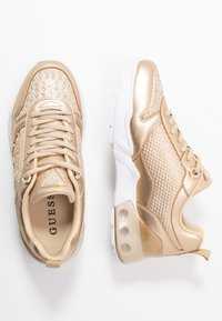 Guess - TANDEY - Joggesko - gold - 3
