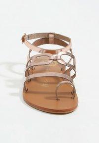 Les Bagatelles - AGHAVILLA - T-bar sandals - rose gold - 3