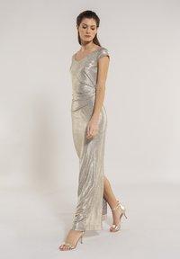 Swing - Maxi dress - gold - 0