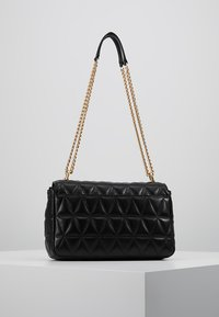 MICHAEL Michael Kors - SLOAN CHAIN - Across body bag - black - 2