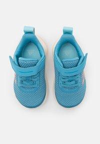 adidas Performance - FORTARUN UNISEX - Obuwie do biegania treningowe - hazy blue/glow pink/hazy sky - 3