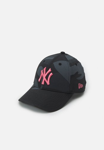 ALL OVER CAMO 9FORTY NEW YORK YANKEES UNISEX
