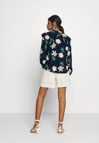Vero Moda Petite - VMBETTY BUTTON - Button-down blouse - navy blazer - 2