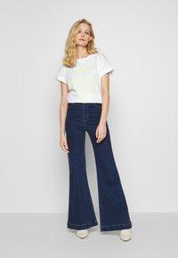 Rich & Royal - HELLO - Print T-shirt - neon yellow - 1