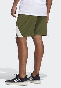 adidas Performance - 3 BAR SHORT - Krótkie spodenki sportowe - khaki - 2