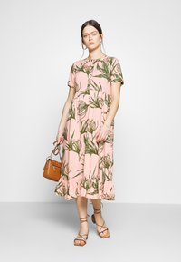 MAMALICIOUS - MLDARLING LIA DRESS - Vestido informal - mellow rose - 1