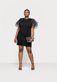 Missguided Plus - PLUS FRILL SLEEVE DRESS - Robe d'été - black - 1