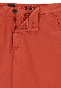 BOSS - SCHINO - Shorts - red - 5