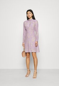 Closet - HIGH NECK MINI DRESS - Korte jurk - purple - 1