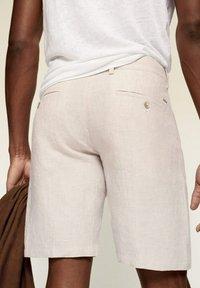 Mango - Shorts - écru - 4