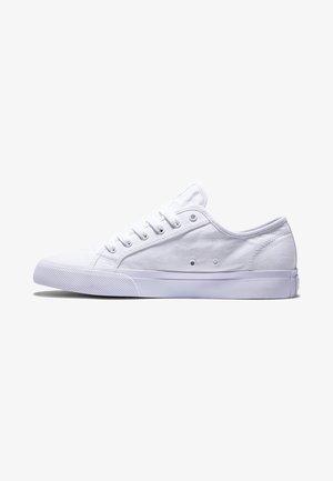 MANUAL - Skate shoes - white