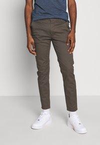 Burton Menswear London - Chinot - khaki - 0