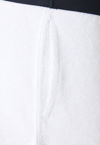 Tommy Hilfiger - CORE SOLID LOGO SHORTS - Pyjama bottoms - white - 2