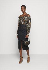Versace Jeans Couture - LADY SKIRT - Denim skirt - indigo - 1