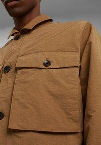 Esprit - SAFARI - Summer jacket - camel - 5