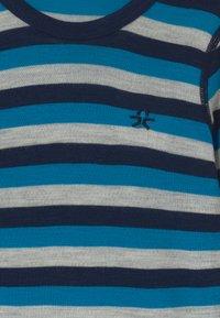 Color Kids - SET UNISEX - Undershirt - dress blues - 3