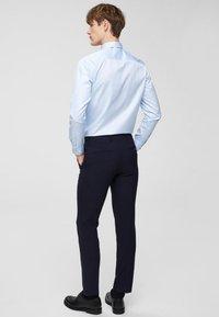 Selected Homme - SLHSLIMPEN - Camicia elegante - light blue - 2