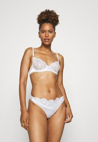 Nly by Nelly - MARRY ME BALCONY BRA - Soutien-gorge à armatures - white - 1