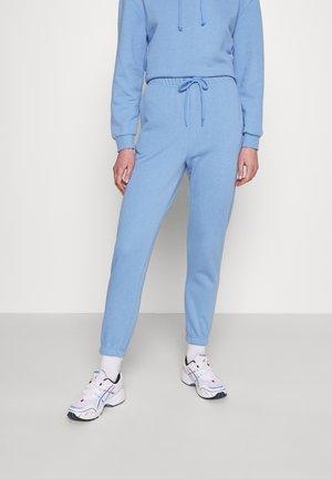 PCCHILLI PANTS - Teplákové kalhoty - little boy blue