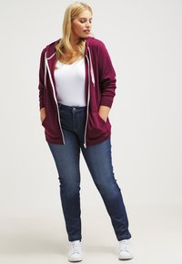 Zizzi - EMILY - Jeans slim fit - blue denim - 1