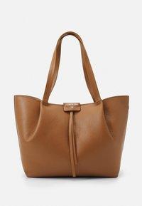 Patrizia Pepe - BORSA BAG SET - Handbag - cognac - 2