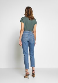 American Eagle - MOM - Jeans slim fit - faded indigo - 2