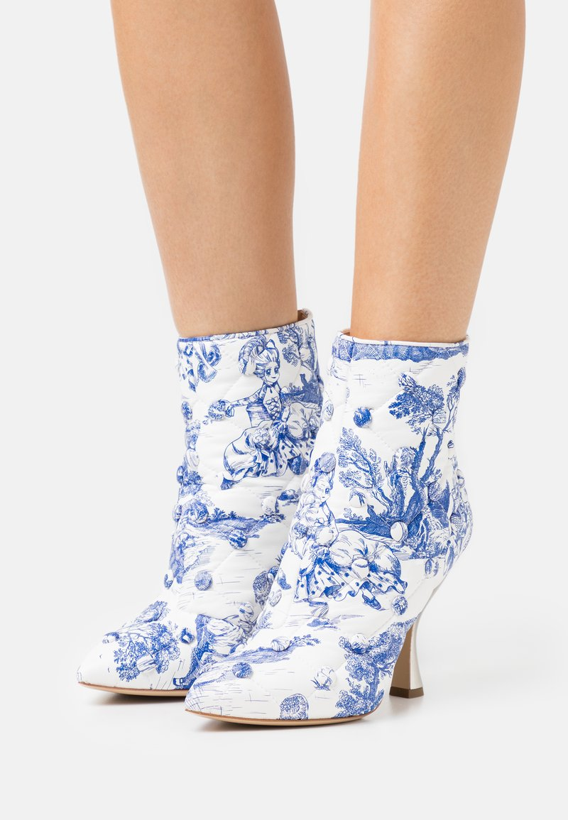 MOSCHINO - Classic ankle boots - light blue