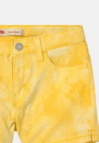 Levi's® - TIE DYE SHORTY  - Jeansshort - golden haze - 2