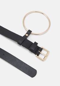 Pieces - PCNINA WAIST BELT - Waist belt - black/gold-coloured - 1
