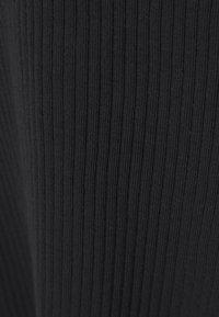 Simply Be - NOTCH FRONT - T-shirt à manches longues - black - 6
