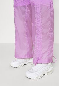 Nike Sportswear - STREET PANT - Pantalones - violet shock/white - 3