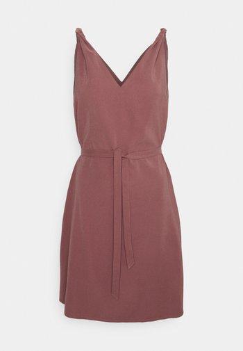 ONLARIS LIFE DRESS - Day dress - apple butter