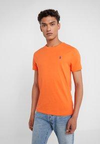 Polo Ralph Lauren - T-shirt basic - bright preppy ora - 0