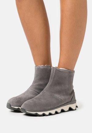 KINETIC SHORT - Vinterstøvler - grey