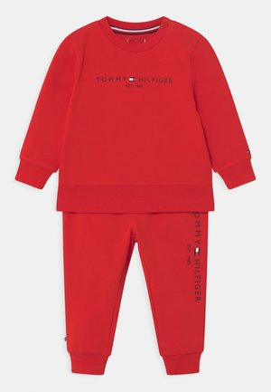 BABY ESSENTIAL SET  - Tracksuit - deep crimson