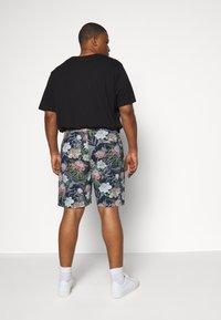 Jack´s Sportswear - FLORAL CHAMBRAY  - Shorts - dunkelblau - 2