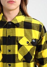 Dickies - SACRAMENTO - Vapaa-ajan kauluspaita - yellow - 3
