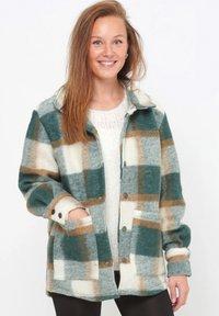 Noella - VIKSA - Short coat - green camel - 0