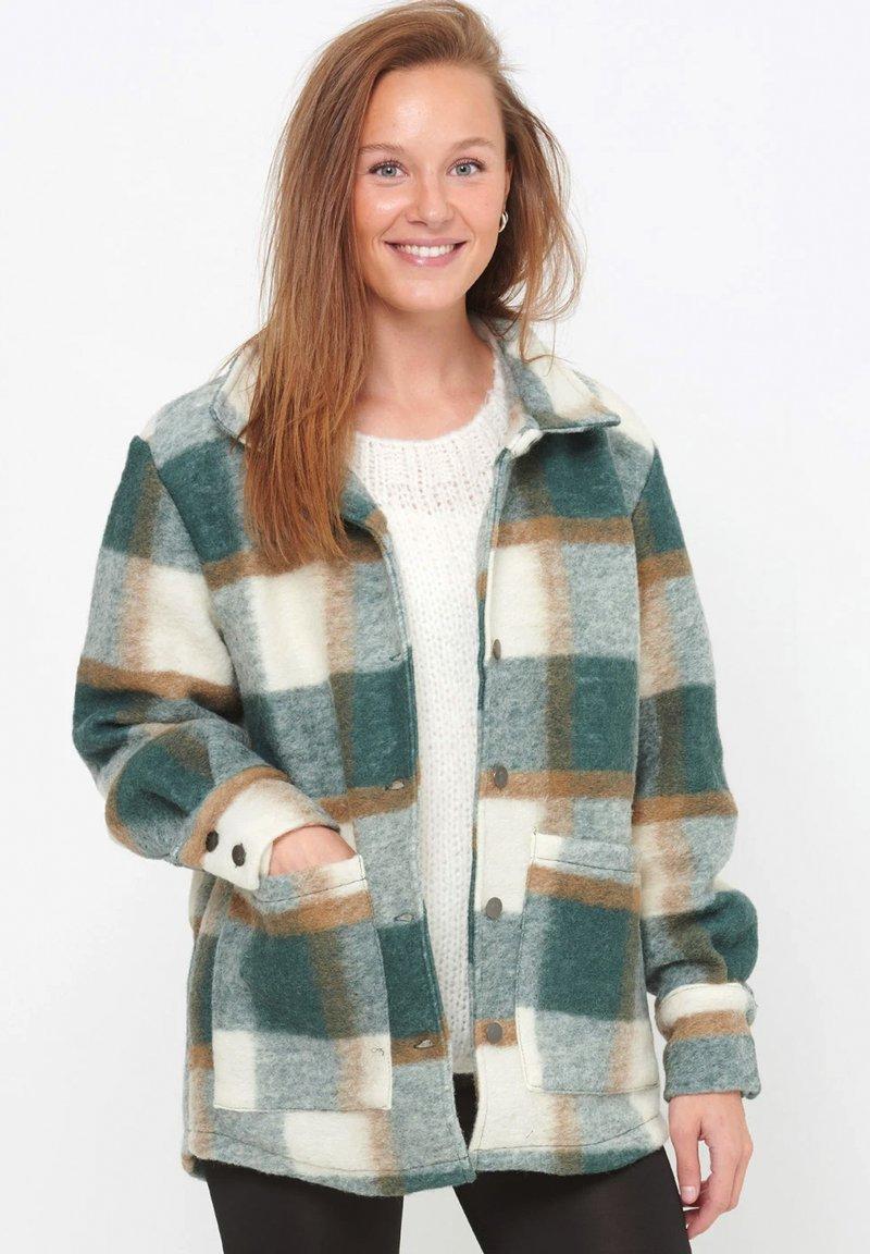 Noella - VIKSA - Short coat - green camel