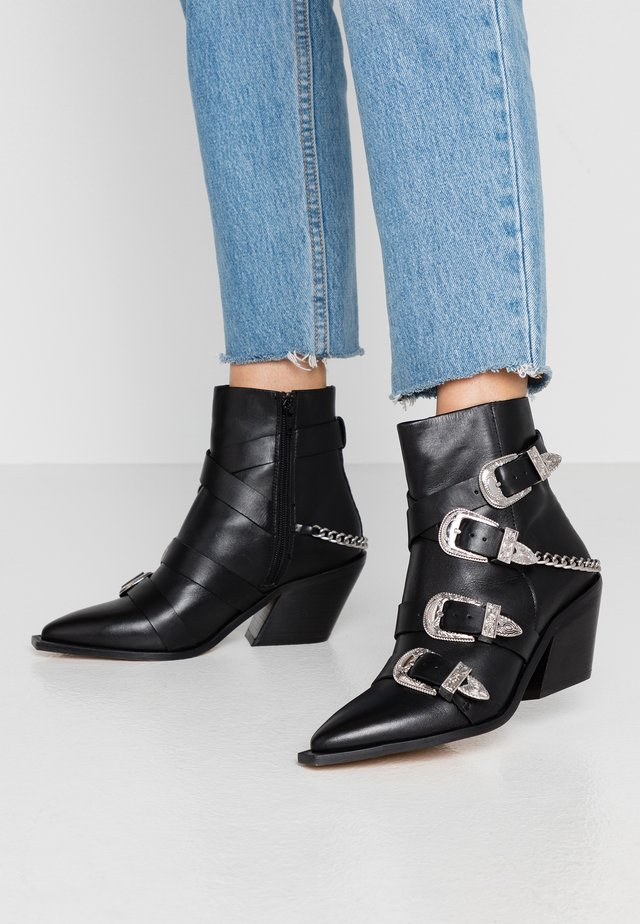 ASTERISK - Cowboy/biker ankle boot - black