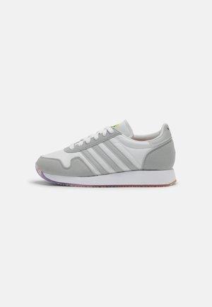 USA 84 PRIDE UNISEX - Sneakers - grey/white/rainbow