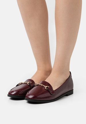 LULA LOAFER LIZARD - Mocasines - oxblood