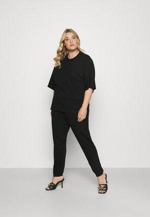 SET - Teplákové kalhoty - black