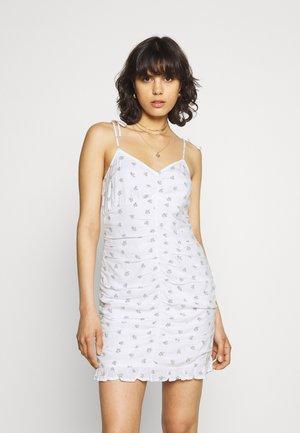 BARE RUCHED SHORT DRESS - Hverdagskjoler - white