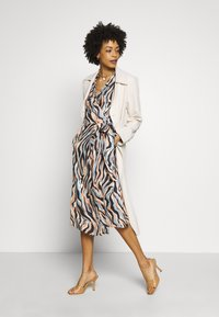 Pedro del Hierro - PRINTED DRESS WITH BELT - Day dress - blue - 1