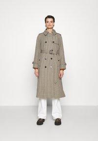 Mackintosh - ALLY - Trenchcoat - light brown - 0